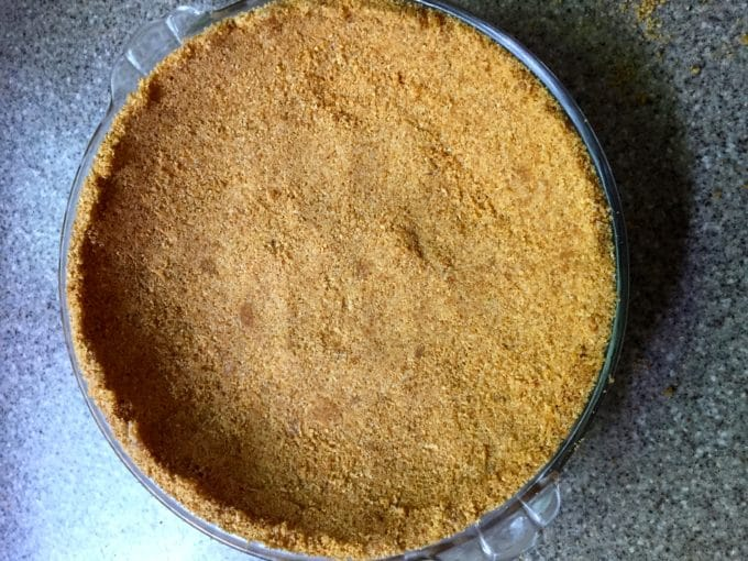 Graham cracker pie crust for Frozen Lemonade Pie