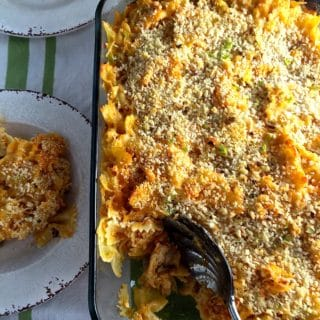 Easy Buffalo Chicken Mac and Cheese