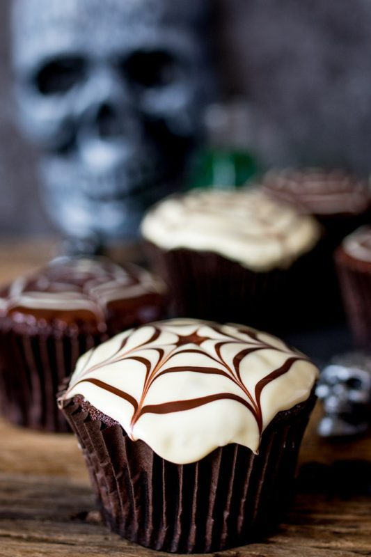halloween-spider-web-cupcakes-tall-fs