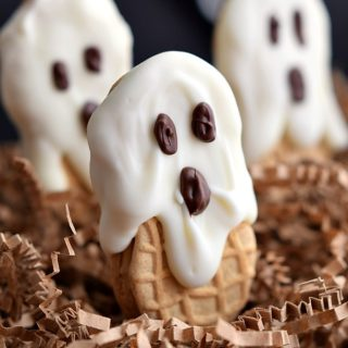 25 Spooktacularly Delicious Halloween Treats