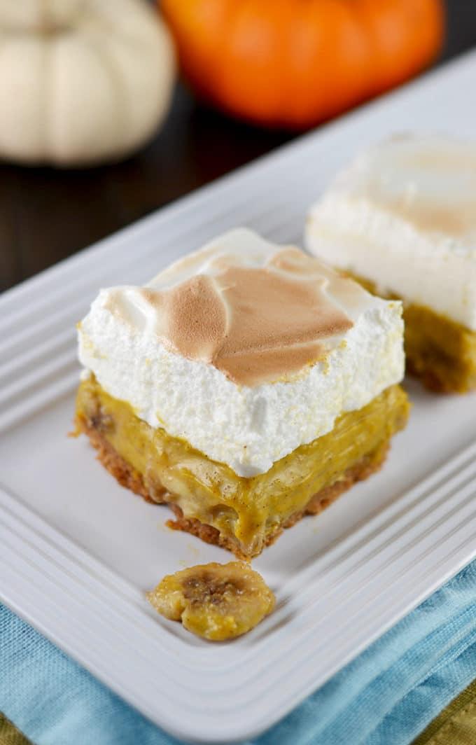 pumpkin-banana-cream-pie-bars-marshmallow