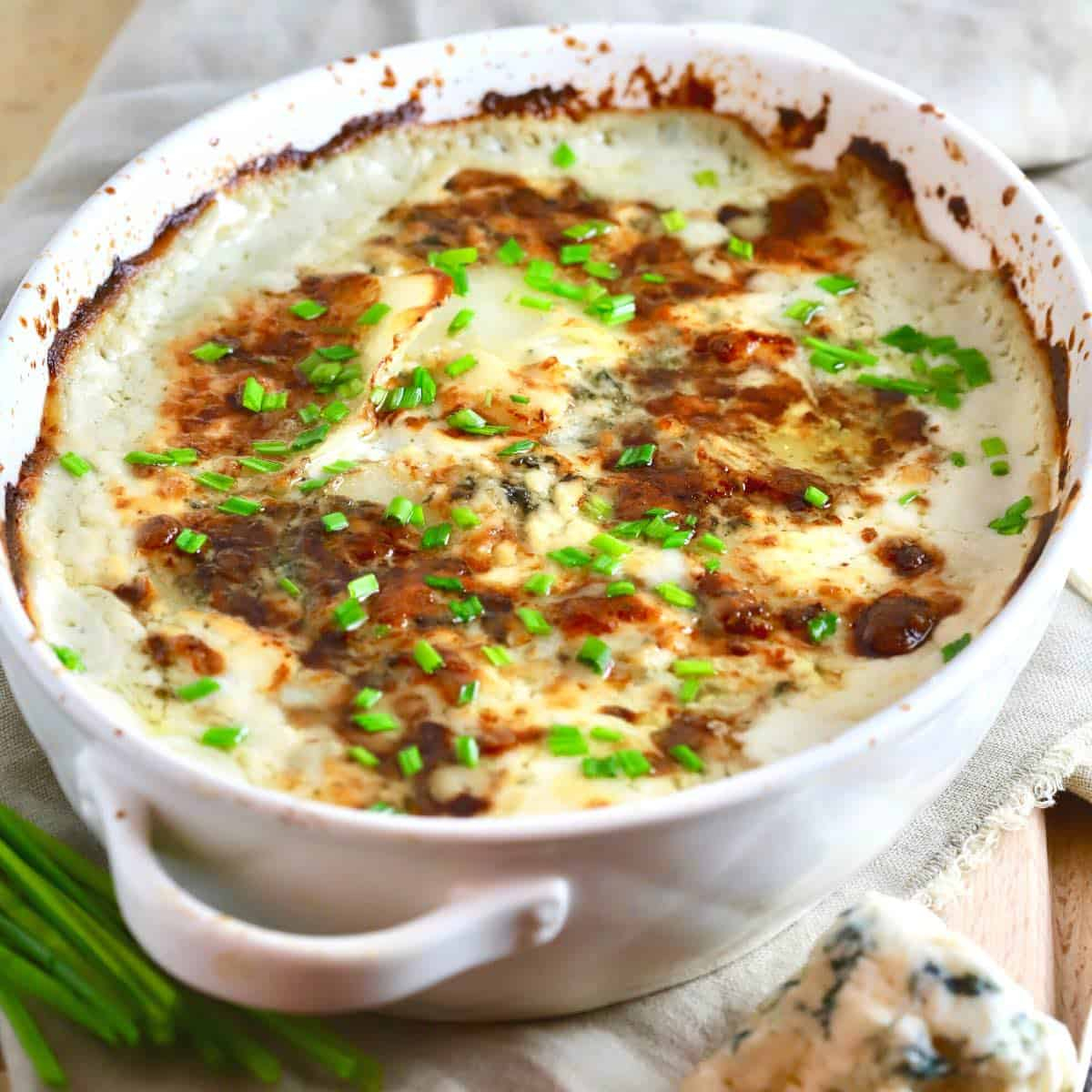 Ultimate Blue Cheese Potatoes Au Gratin on the Thanksgiving trable