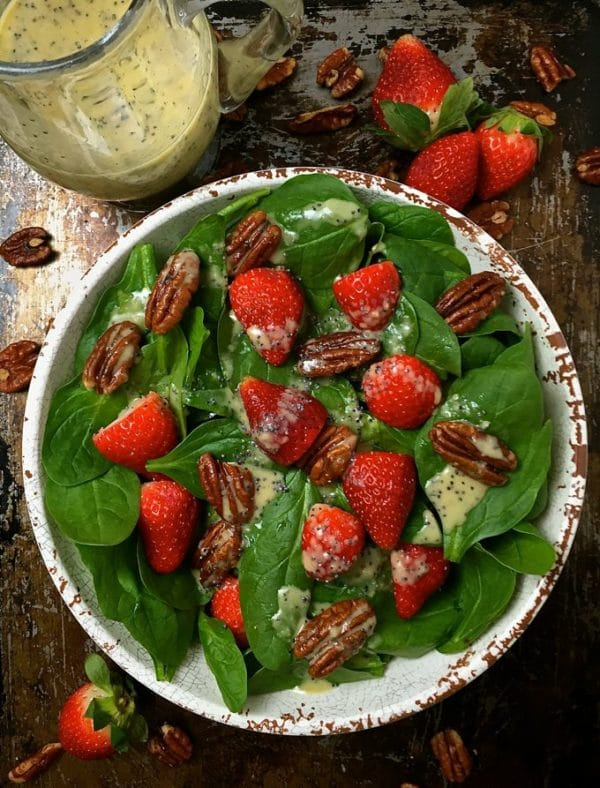 Spinach Salad with Strawberries and Pecans 4