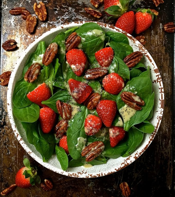 Spinach Salad with Strawberries and Pecans 5