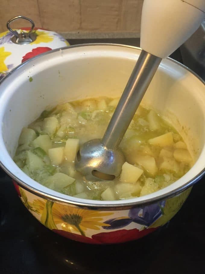 Traditional Irish Potato Soup-5