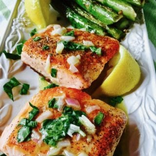 Easy Pan Seared Salmon with Asparagus ready to serve