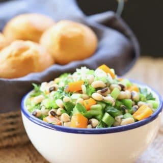 Healthy Blach-Eyed-Pea-Salad ready to serve along with corn muffins