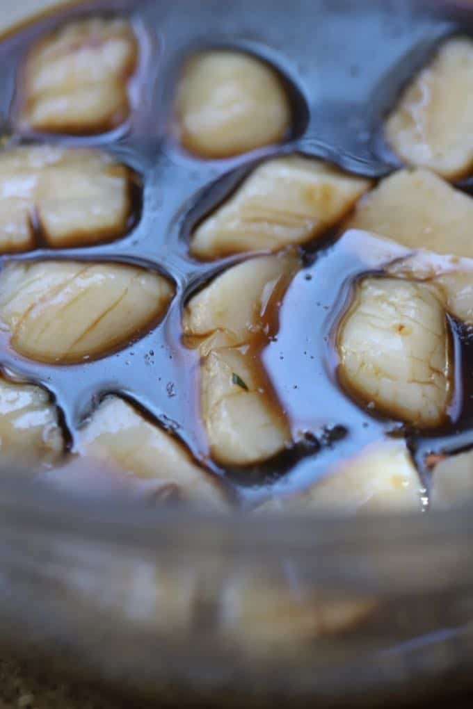 Marinating scallops for Easy Marinated Bacon Wrapped Scallops