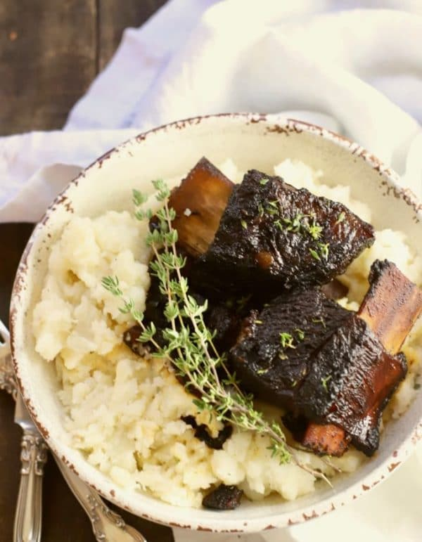 Easy Red Wine Braised Beef Short Ribs with mashed potatoes
