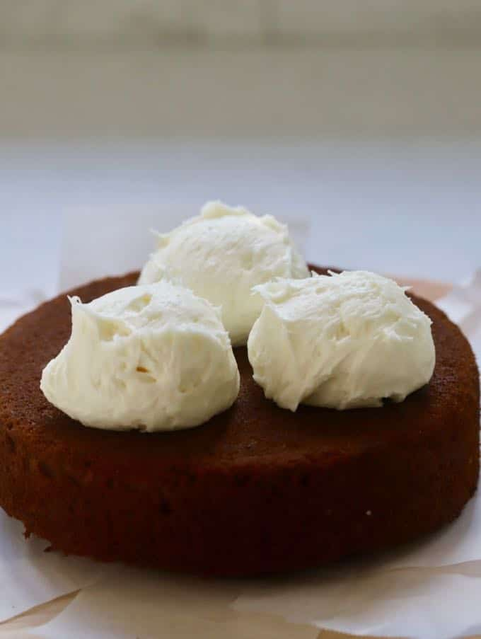 Icing for Gingerbread Cake with Cream Cheese Icing